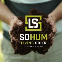 SoHum_soil in hands 200x200 small